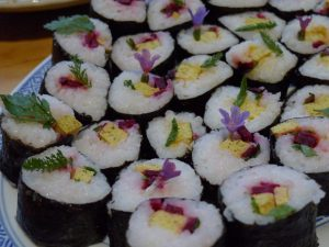 Makis aux herbes sauvages